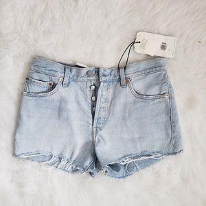 Levi's • NWT 501 Mid-Rise Shorts